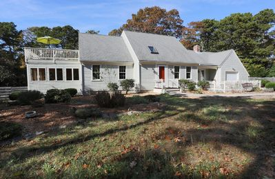 Photo for Spacious Cape, 3 bedrooms, 2.5 bathrooms, sun room/large sundeck close to ocean