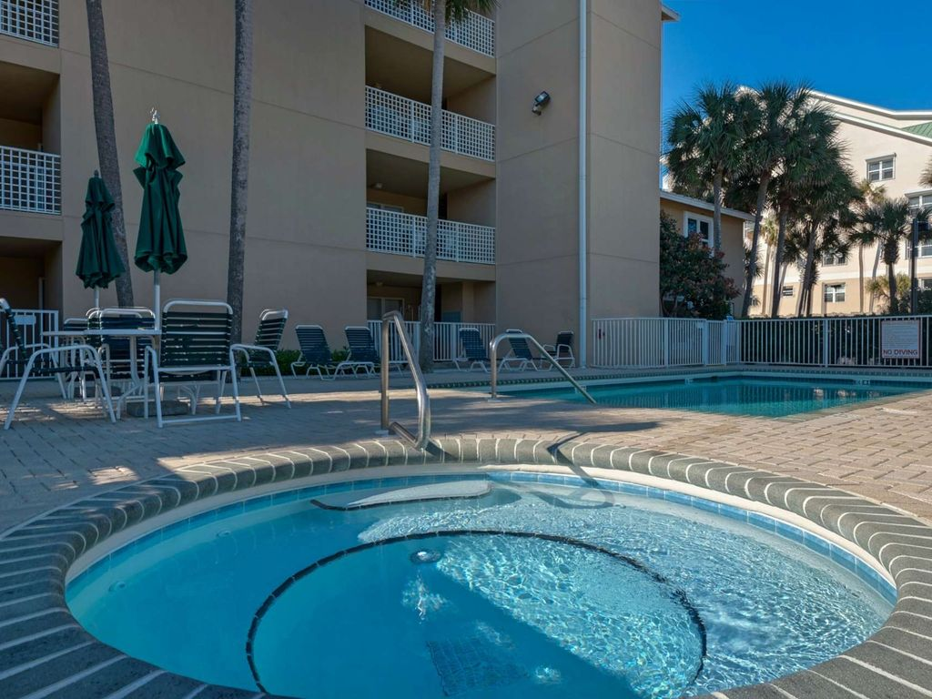 Beach Front Condo with gorgeous Gulf Views!  Sleeps 6 large image 5
