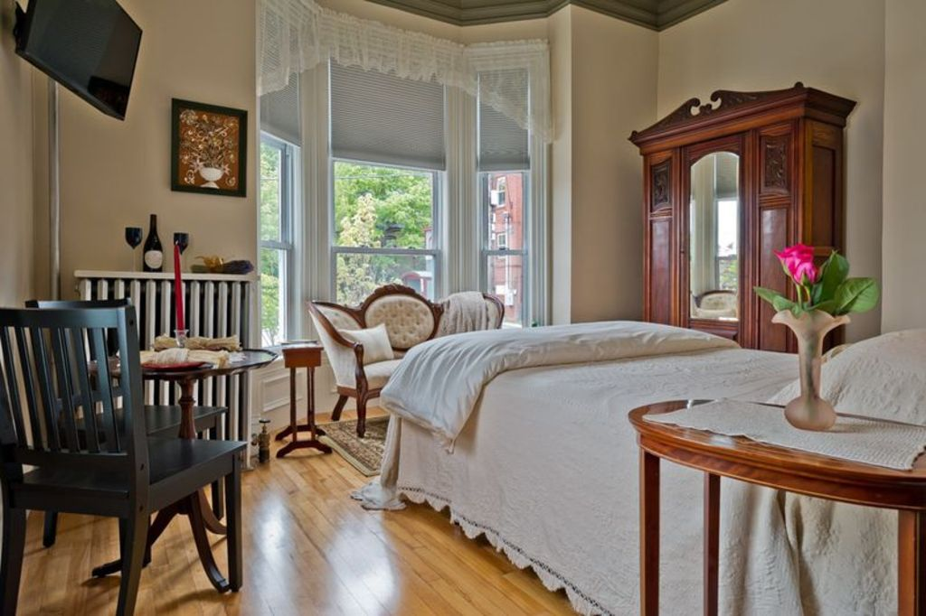 charming victorian studio in portland s dow homeaway