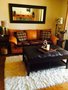 Beautiful & Affordable Condo, Walk to the Beach, the Hyatt, and Hiking Trails
