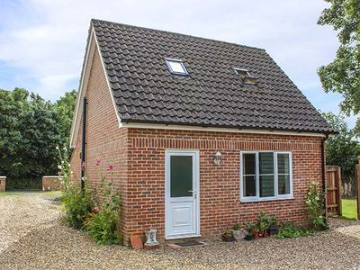Photo for HOLLYTREE COTTAGE, pet friendly in Attleborough, Ref 941834