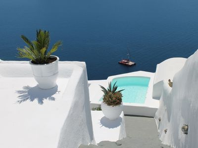 Photo for Incredible caldera views! Full sunset, private, spacious - in the heart of Oia