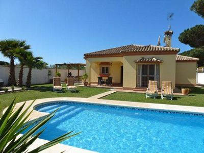 Photo for Modern 4 bedroom (sleeps 8) 2 bathroom villa with WIFI and air-conditioning