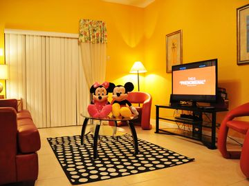 ⭐BEST DEAL⭐4 Bed Private Hot Tub/ Wii/ Game Room/ BABY-Friendly/ 10min to Disney