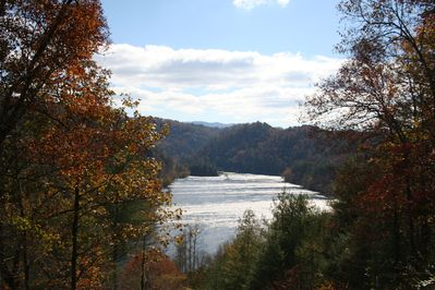 The Hiwassee River scenic view