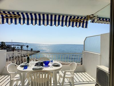 Photo for Apartment with panoramic sea view opposite sandy beach in Golfe-Juan