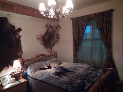 Photo for Cozy hunter themed room with hot breakfast