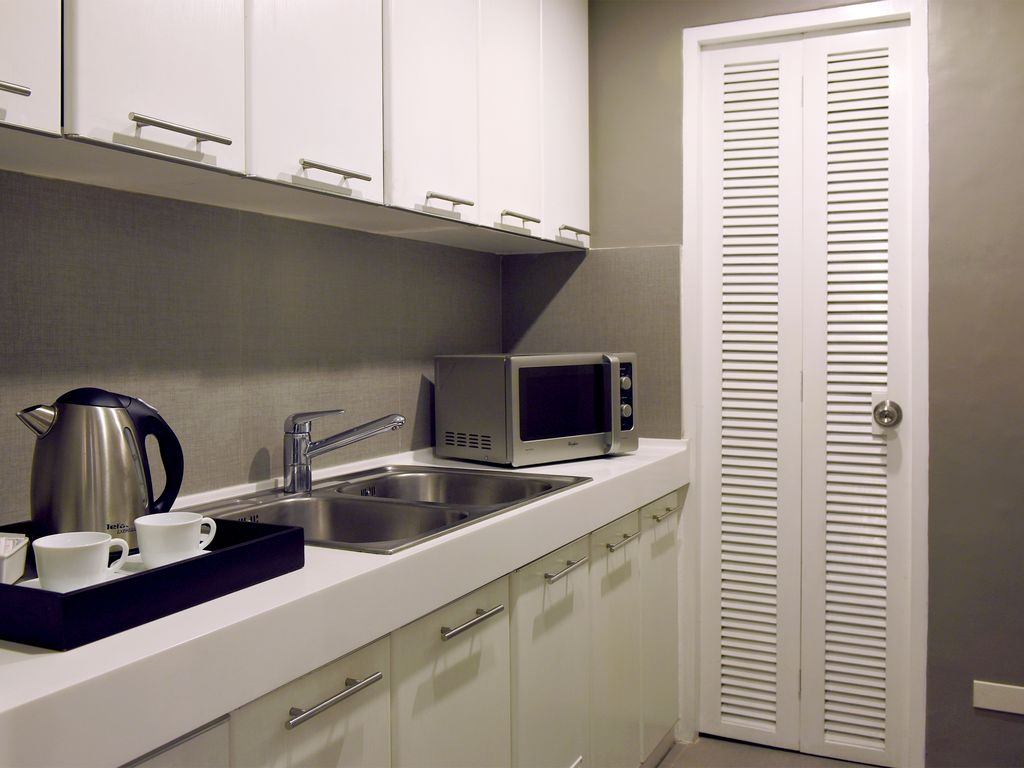 1-Bedroom Suite w/ Free Breakfast & WiFi