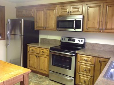Brand New Beautiful eat in Kitchen with new appliances