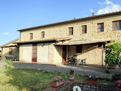 Photo for Apartment Podere Le Colmate (GUA302) in Guardistallo - 6 persons, 2 bedrooms