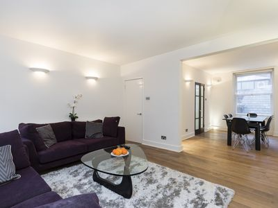 Photo for SPACIOUS 3BR FLAT IN THE HEART OF LONDON - PICCADILLY CIRCUS & LEICESTER SQUARE