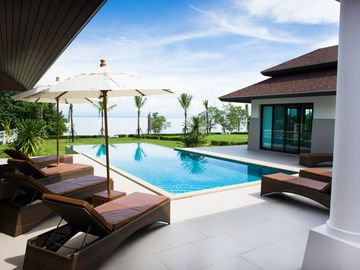 Truly Luxurious Villa Koh Chang right on the sea