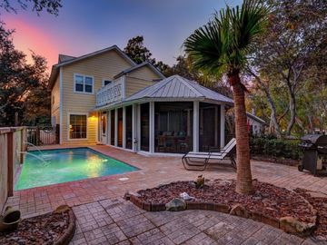 Latitude Adjustment, Seagrove with Private Heated Pool, Pet Friendly
