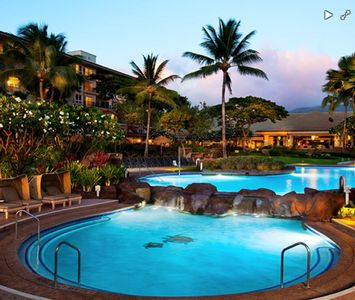 Photo for Ocean Front Maui Resort 1 Bedroom Suite, Full Bath. Sleeps 4.