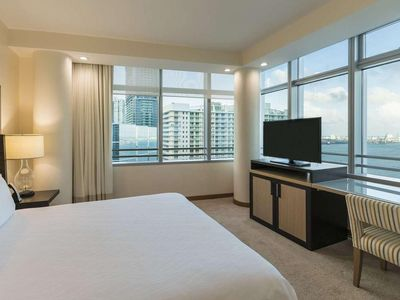 Photo for ★ Miami Brickell Lux High Floor Oceanview 2 Bed Condo by Rosval Rentals