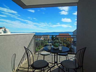 Photo for 2BR Apartment Vacation Rental in Okrug Gornji, Dalmatien