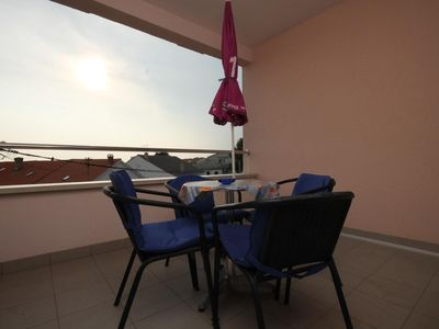 Photo for One bedroom apartment with terrace and sea view Novalja, Pag (A-6432-e)