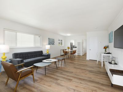 Newly Renovated, Prime Location, 2 Bedroom 1 Bath- Prospect St. Apartment