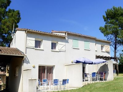 Photo for Cozy apartment only 2 km. away from Vallon-Pont-d'Arc