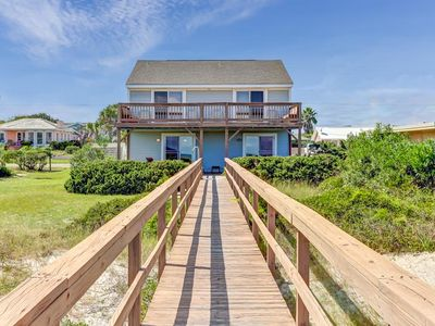 Photo for 2 Bed/1.5 Bath Oceanfront Duplex, beautiful Upper deck.  Sleeps 6 & pet friendly.
