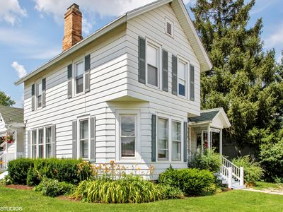 Photo for Quaint 4 Bedroom Home Just A Few Blocks To Downtown Lake Geneva