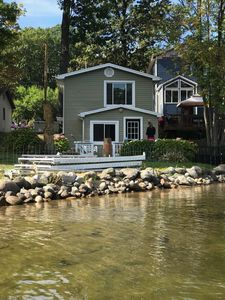 "Photo for Gorgous ""pottery barn""Lake House located on 3 lakes"