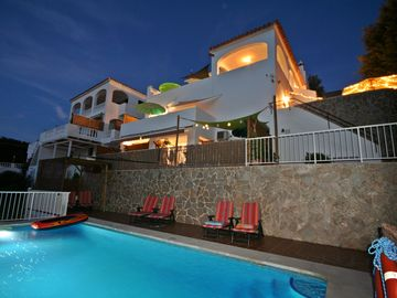 Search 778 holiday rentals