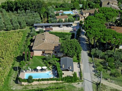 Photo for 6 bedroom Villa, sleeps 12 in Cantagallina with Pool and WiFi