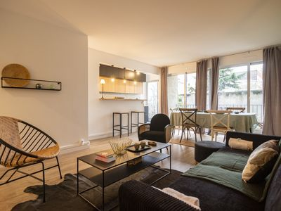 Photo for Trocadero place 2 bedrooms