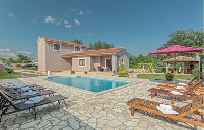 Photo for Holiday house Valtura for 1 - 8 persons with 4 bedrooms - Holiday house
