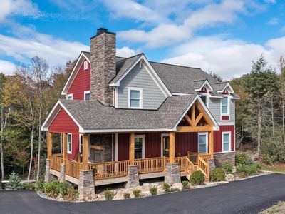 Luxury Home in exclusive Sweetgrass gated community 10 mins to Blowing Rock