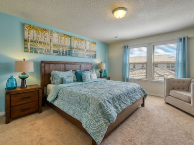 Photo for Walk to Clubhouse, own Pool, Free Wifi, Parking & Free Resort Amenities. Ww9039