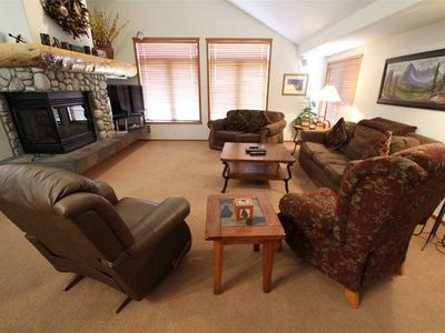 Photo for Spacious 4 Bed/3 Bath Townhome – Great Views