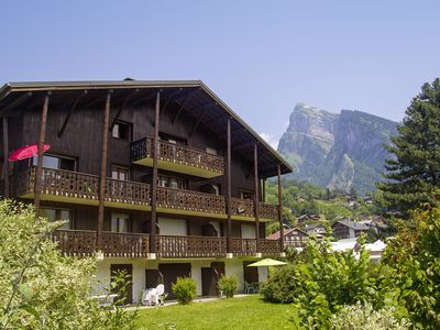 Photo for Spacious top floor apartment to rent in Samoens, Grand Massif
