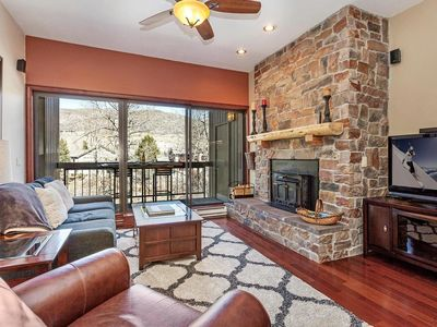 Photo for Clean Riverfront Condo. Sauna, Pool & Hot Tub. Minutes to Vail & Beaver Creek