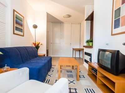 Photo for Apartment 425 m from the center of Lisbon with Internet, Lift, Washing machine (386769)
