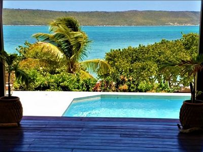 Photo for Akare Villa - 10 Steps to Willoughby Bay And Beach!