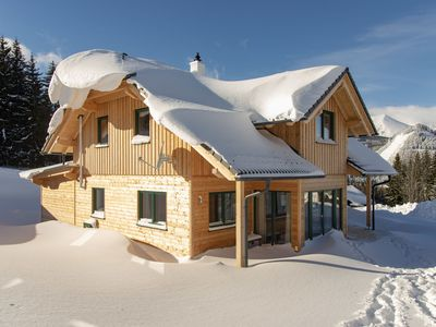 Photo for Completely detached, luxurious chalet with sauna and ski-in & ski-out