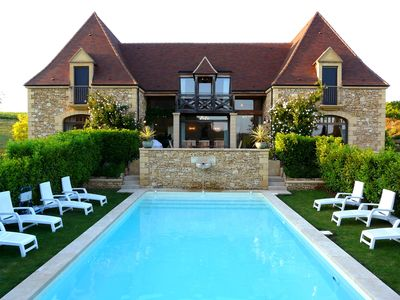 Photo for Magnificent house villa stunning views heated private pool air con. near Sarlat