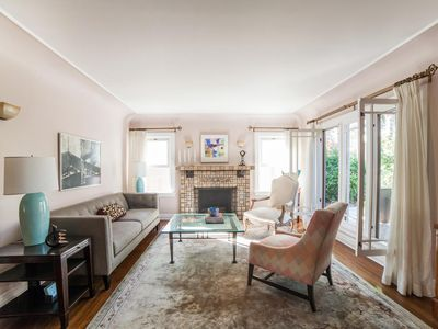 Photo for Melrose Avenue II - luxury 3 bedrooms serviced apartment - Travel Keys