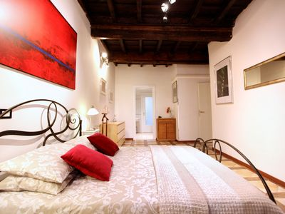 Photo for Elegant, Campo de Fiori 2 bedrooms 2 bathrooms, a / c, elevator, wifi, washer