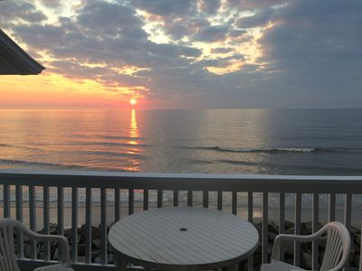 Photo for Lovely Oceanfront Condo🔹Top Floor 🔹Pool🔹Free WiFi/Cable🔹Quiet 🔹Deep Cleaning