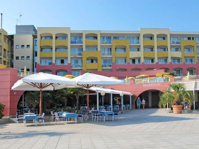 Photo for Apartment Aparthotel del Mar (PUL703) in Pula - 6 persons, 2 bedrooms