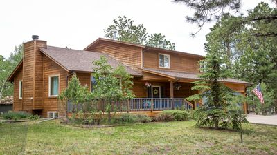 Photo for Beautiful Mountain Home in Woodland Park, central to local attractions, Sleeps 8