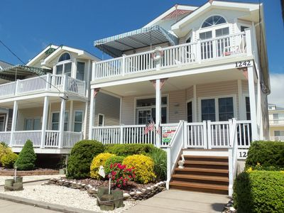 Just a few blocks from the Boardwalk and Atlantic Ocean, this first floor condominium is a great rental spot for your next vacation. Park your car for the week and enjoy an easy walk to beach, boards, bay and all that downtown Ocean City has to offer.