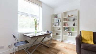 Photo for Bright 2BR Flat in St. Katharine's Docks