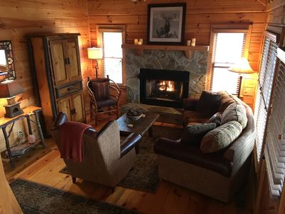Photo for Cozy cabin, mountain views, large deck, hot tub-Leaves are changing!