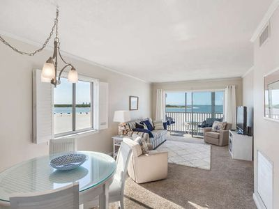 Photo for Castle Beach 401 w/ Fabulous Direct Gulf Front View! Right On The Beach!