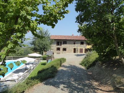 Photo for Rustic villa in countryside with Private Pool near restaurants & superb view