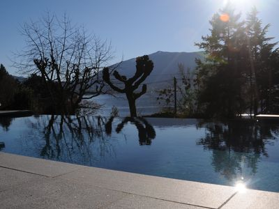 Photo for Magnificent villa with lake view, heated pool, spa, 8 persons, 100m from the lake